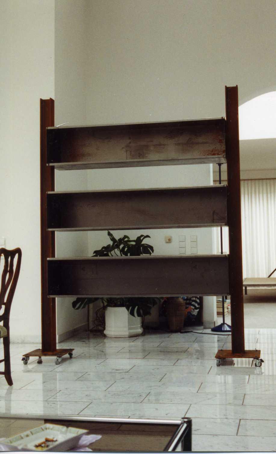 regal aus stahl heute new york 1993. Black Bedroom Furniture Sets. Home Design Ideas