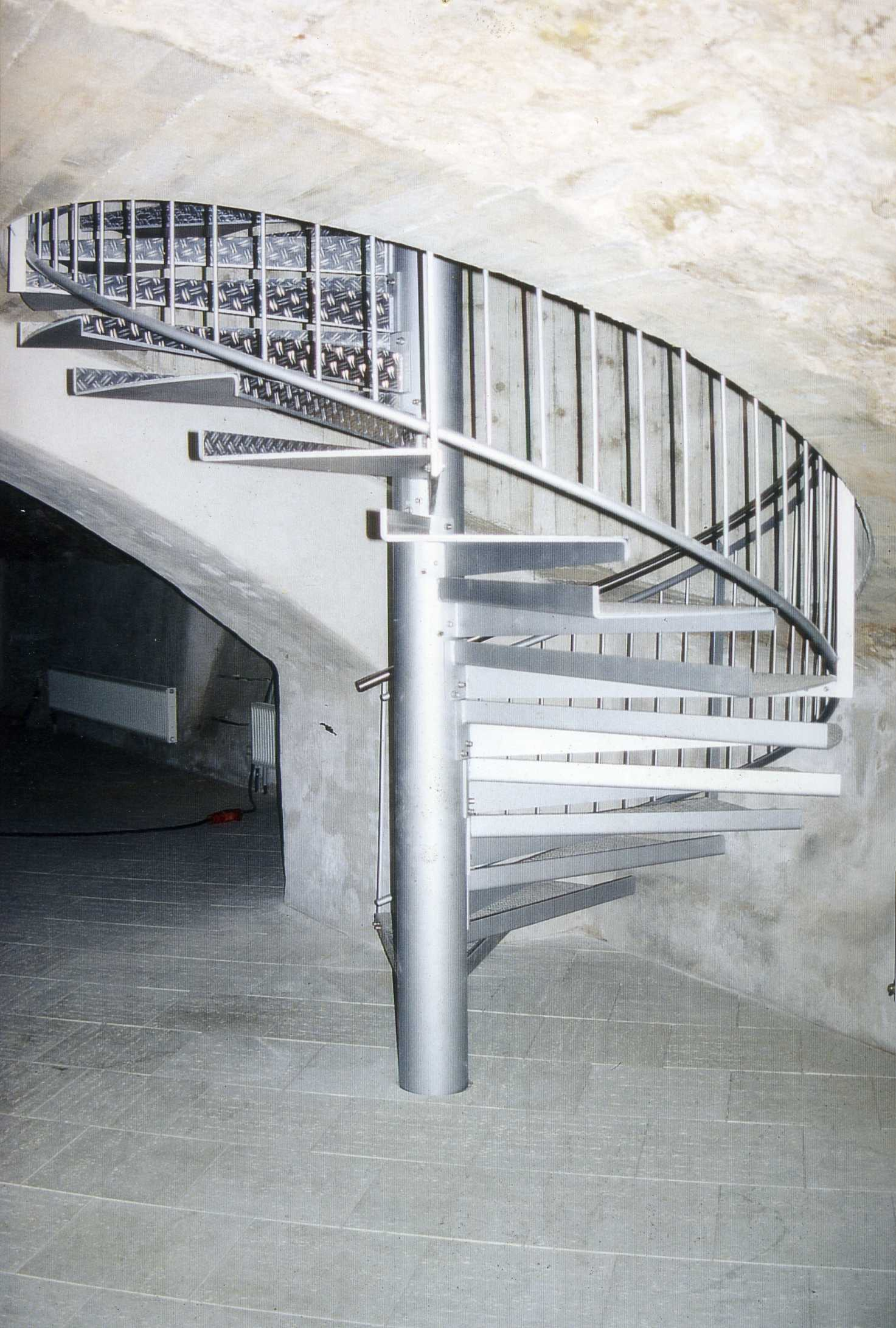 Spindeltreppe in Gewölbekeller Esslingen 1998