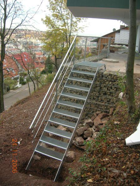 Stahltreppe im Garten, Stuttgart 2006